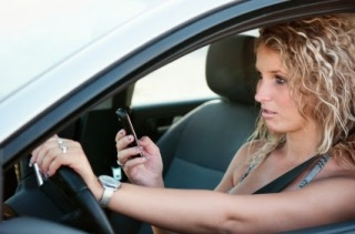 South-Africans-texting-and-driving