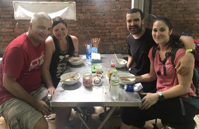 hoi-an-street-food-group